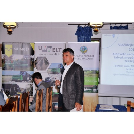 Vidékfejlsztési fórum és gépbemutató Kondoroson