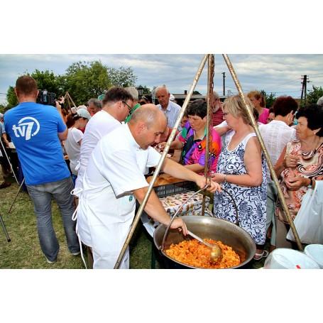 XVI. Betyár Napok - Ünnepi ételosztás, Bojtorján koncert, Hudák Család Kézi Szövőműhely ruhabemutatója