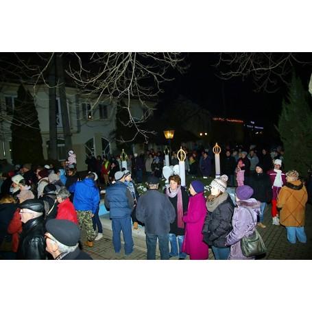 Vasárnap meggyújtották a 3. gyertyát is a város adventi koszorúján