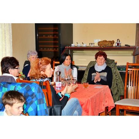Nőnap alkalmából köszöntötte hölgy tagjait a Kertbarát Kör