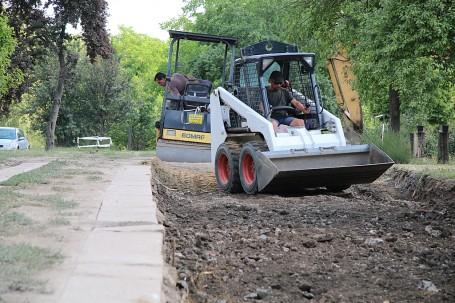 Folytatódik az útépítés Városunkban