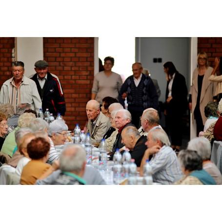 Tisztelet az éveknek: Idősek köszöntése Kondoroson