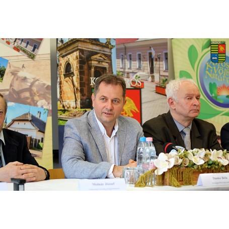 Kerékpáros szemléletformálás projektindító sajtótájékoztatója Kondoroson