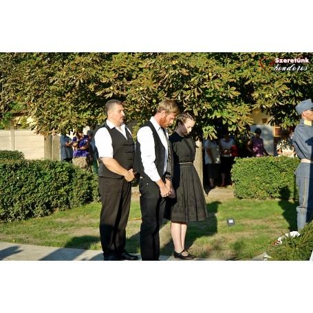 Trianon 100 Kondoros! Leleplezésre és átadásra került a Trianoni békediktátum 100. évfordulójára állított emlékmű