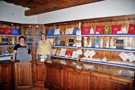 Megvásárolhatóak a  varroda termékei a Kondorosi Csárdában