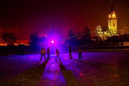 Várjuk a korcsolyázni-sportolni vágyókat a városi jégpályán!